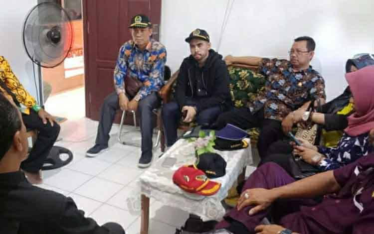 ANGGOTA DPRD KAPUAS RESES KE DAPIL MASING-MASING 1