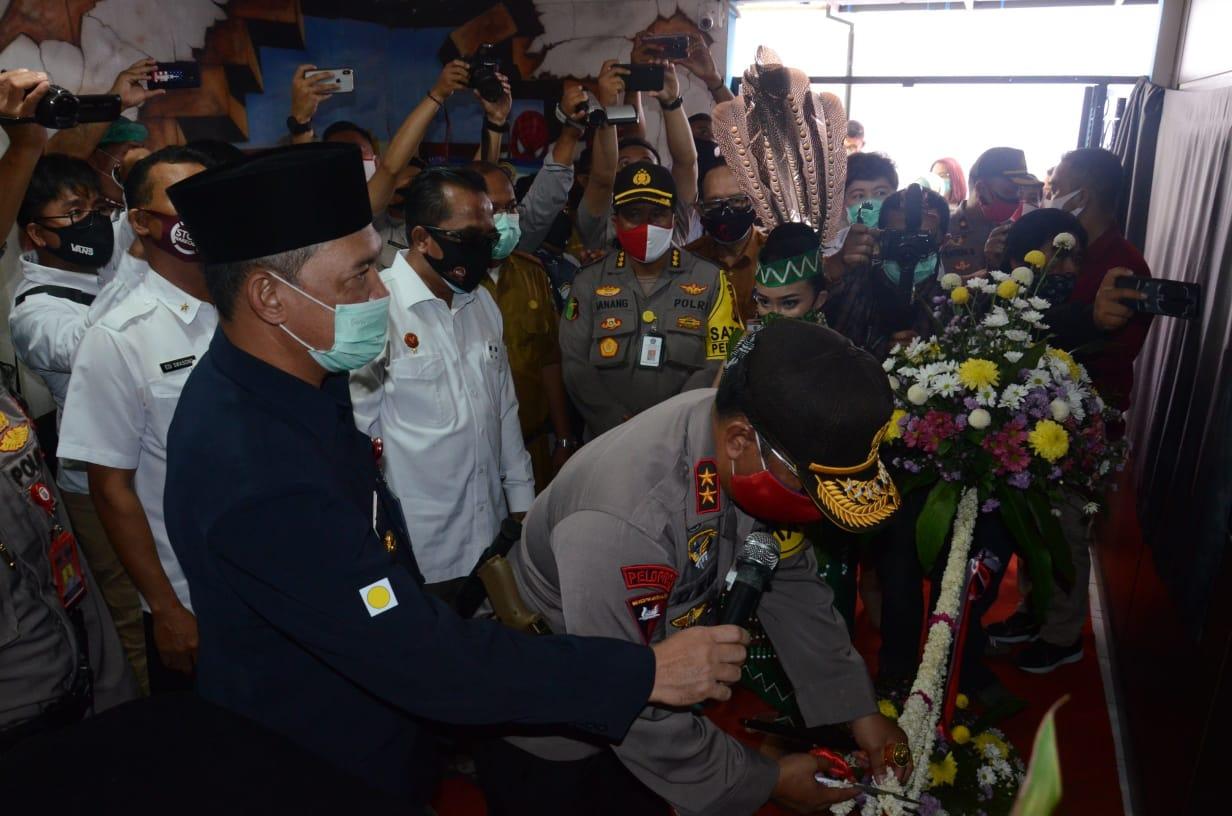GUBERNUR HADIRI PERESMIAN LABORATORIUM CPR RS BHAYANGKARA KALTENG 1