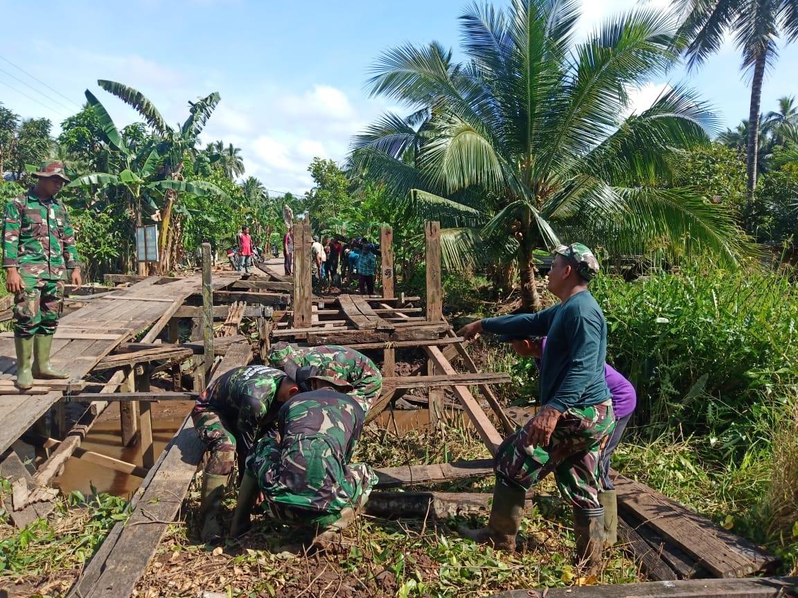 TNI BANGUN JALAN DARURAT 1