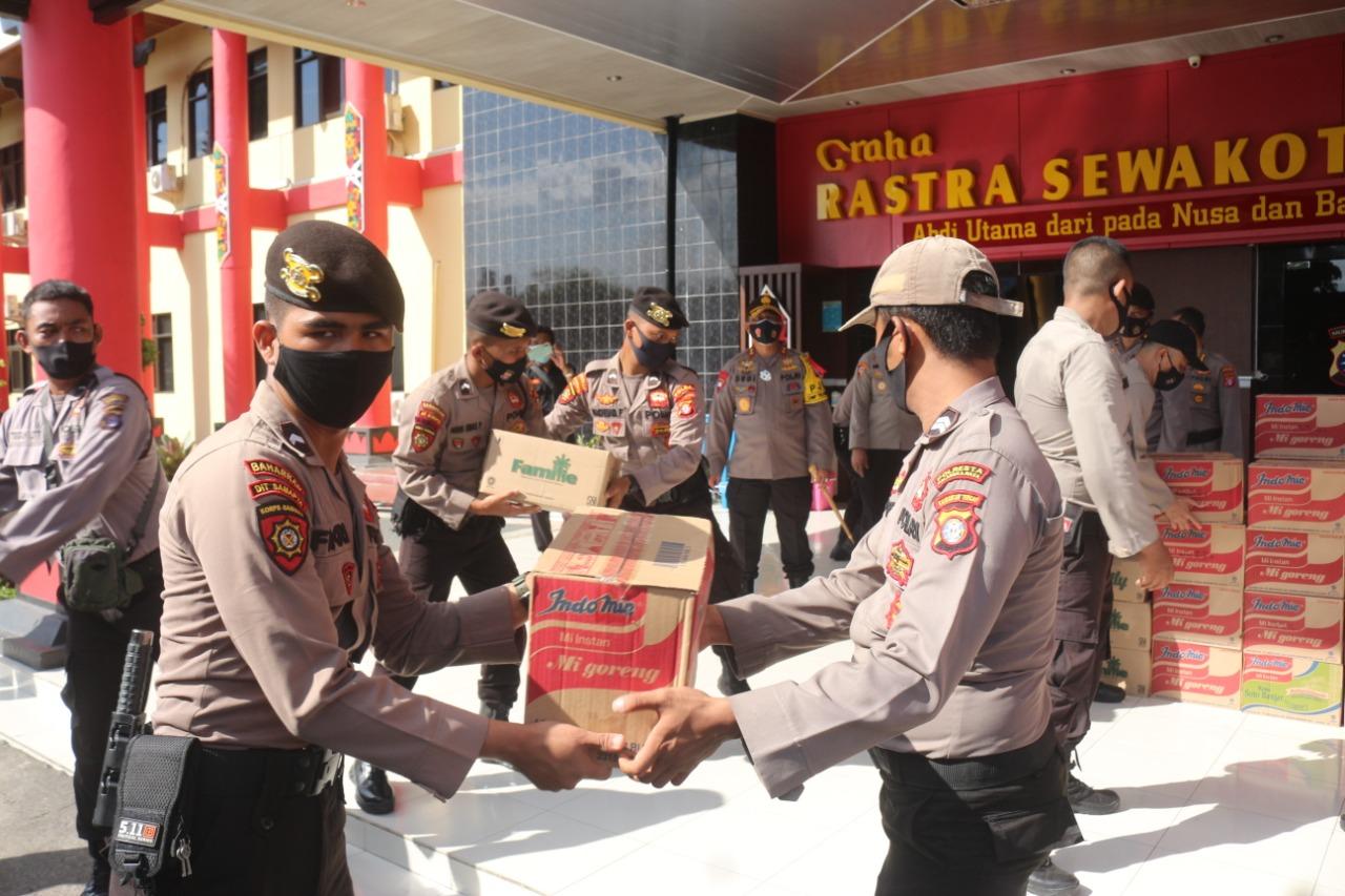 TANGGAP BANJIR DI KATINGAN, 100 PERSONEL POLDA KALTENG SIAP BANTU WARGA 1