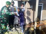 POLRES KOBAR BERSAMA TNI GELAR BAKTI SOSIAL KEPADA KORBAN BANJIR 14