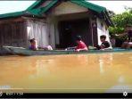VIDEO BANJIR MELANDA, MASYARAKAT KALTENG MENDERITA 8