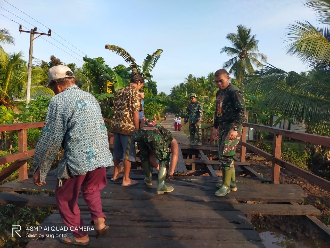 SEMANGAT MEMBARA TNI TERTULAR KEPADA WARGA 1