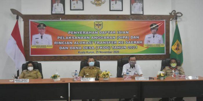 PEMKAB GUMAS IKUTI WEBINAR TERKAIT APBN 2021 2