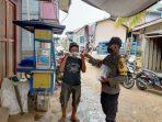 SAMBANGI WARGA, BRIPTU WAHYUDINOOR BERIKAN EDUKASI PROTOKOL KESEHATAN DENGAN MEMBAGIKAN MASKER 5