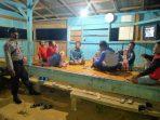 TEGUR WARGA TENTANG PROKES SAAT BHABIN BERINGIN AGUNG SAMBANGI POSKAMLING 3