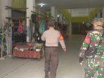 POLSEK KURUN LAKUKAN PATROLI BERSAMA TNI UNTUK BERIKAN IMBAUAN SERTA AJAK MASYARAKAT DALAM MENTAATI PROTOKOL KESEHATAN 4