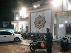 PASTIKAN WARGA MERASA AMAN DI BULAN RAMADHAN, MASJID DIJAGA POLISI 4