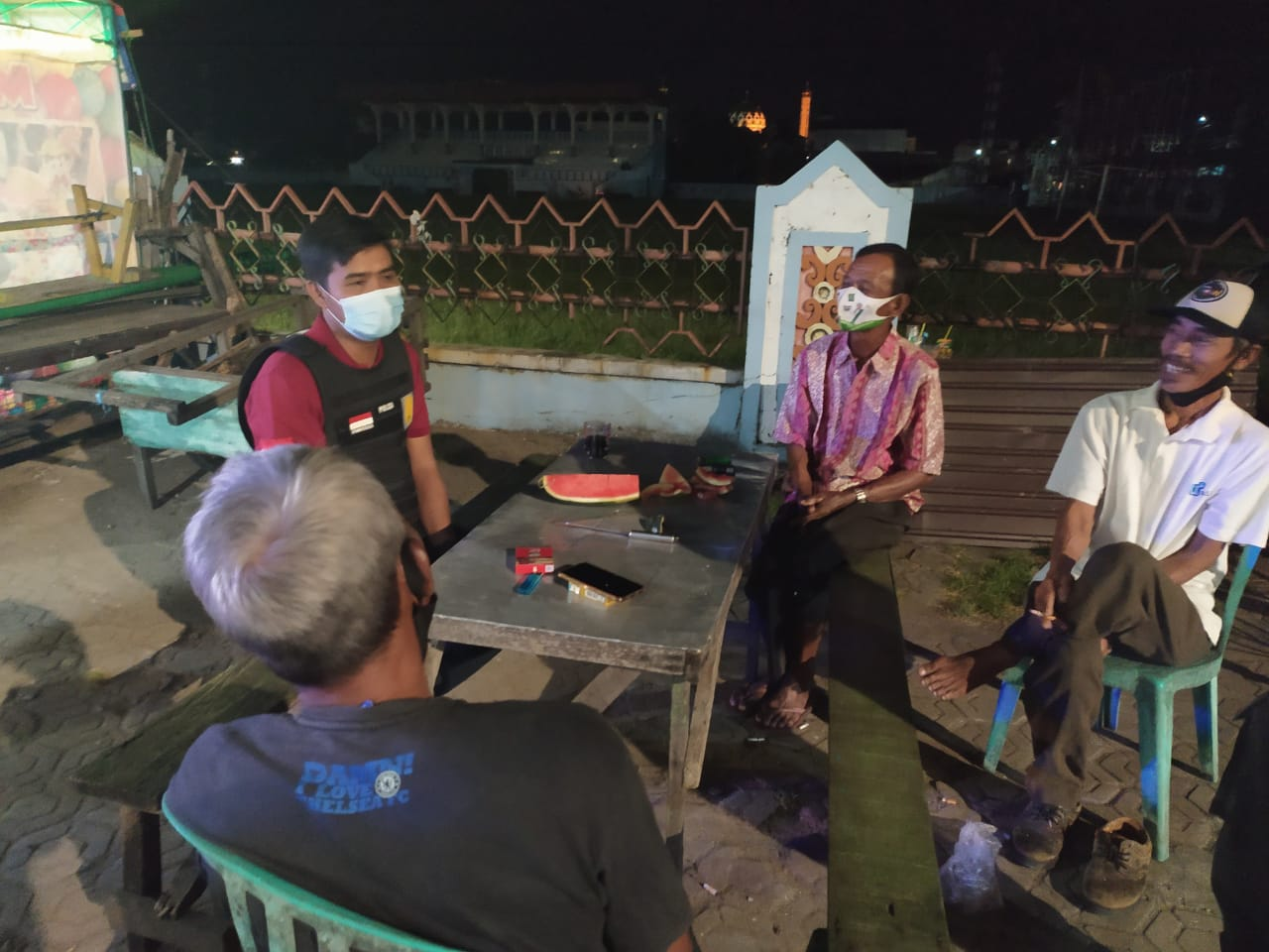 """""""NGOPI"""" (NGOBROL PINTAR) BARENG MASYARAKAT, UPAYA POLRES SERUYAN SAMPAIKAN PESAN KAMTIBMAS 1"""