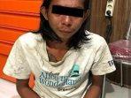DITUDUH PUNYA HUTANG, PRIA GONDRONG ANIAYA WANITA MUDA 2