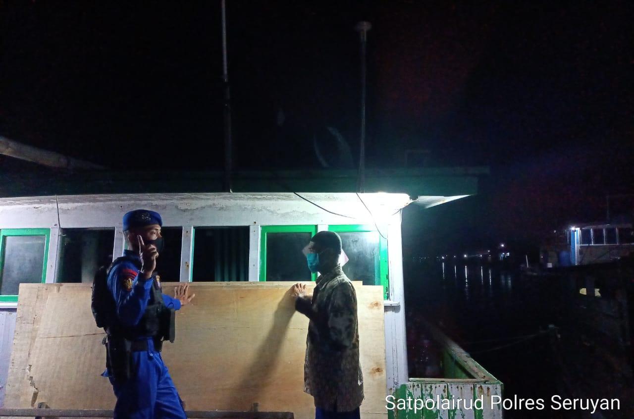 PATROLI MALAM HARI, PERSONIL SATPOLAIRUD POLRES SERUYAN SEKALIGUS POLMAS DI BANTARAN DAS SERUYAN 1