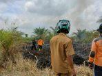 Dengan Sigap, Personil Polres Sukamara Bersama Tim Gabungan Berjibaku Padamkan Api 6